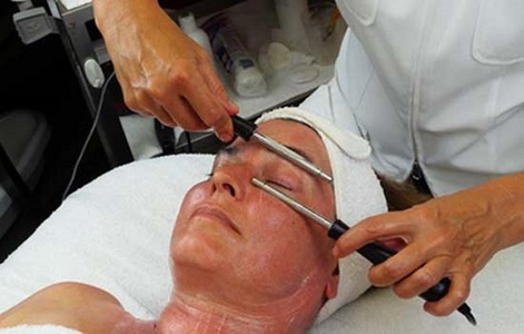 Get rid of Your Aging Skin Problem with Non-Surgical Face-lift Treatment